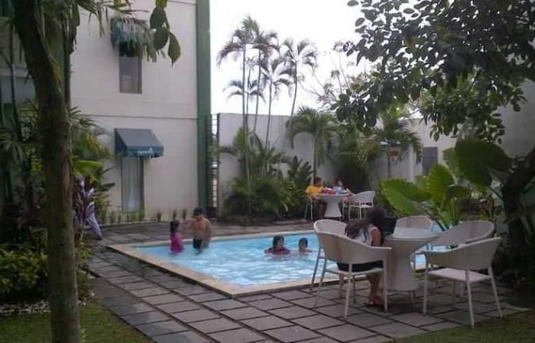Spazzio Hotel Bali - Pool - 20