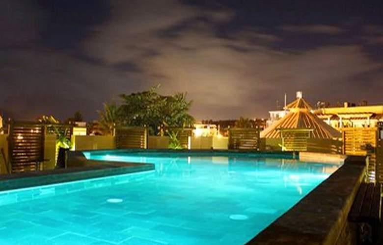 Aanari Hotel & Spa - Pool - 3