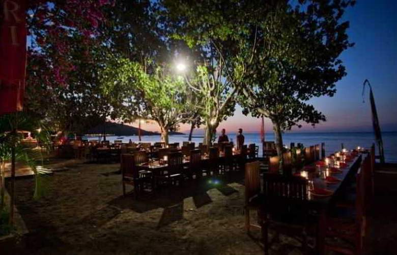 Adi Assri Beach Cottages Singaraja - Restaurant - 25