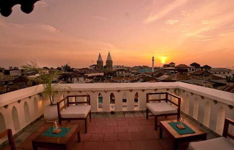 Maru Maru Hotel - Terrace - 11