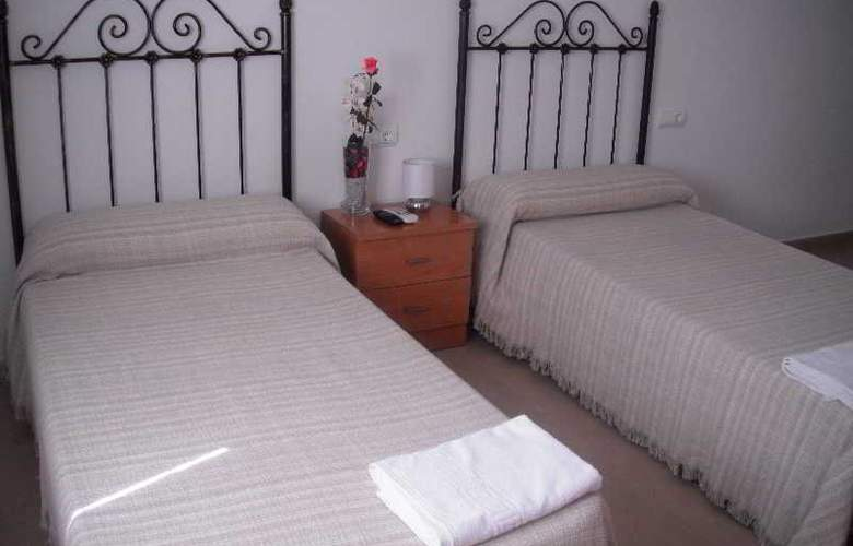 Hostal La Molina - Room - 1