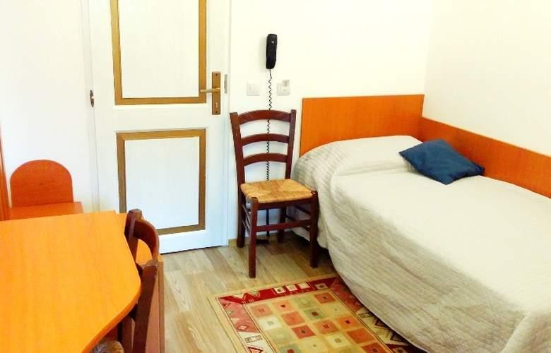 Michelangelo - Room - 1