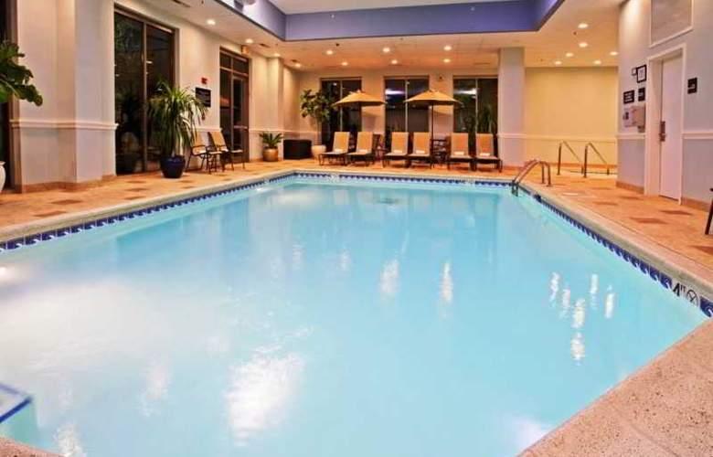 Hampton Inn & Suites Chicago North Shore Skokie - Pool - 9