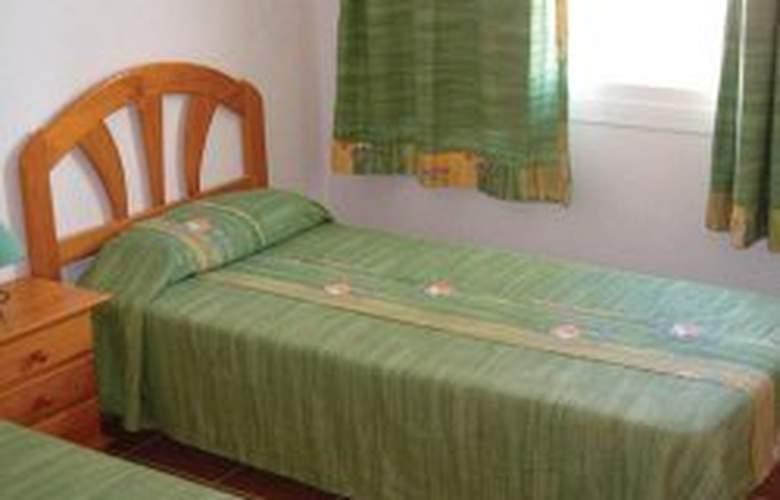 Apartamentos Blancosol - Room - 2