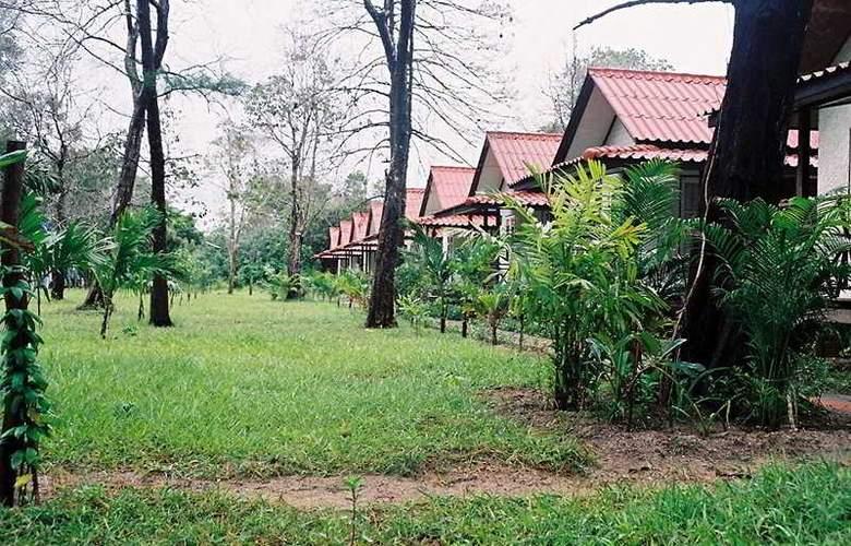 Private Beach Resort - General - 1