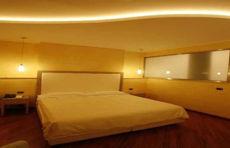 Villa Esperia - Room - 2
