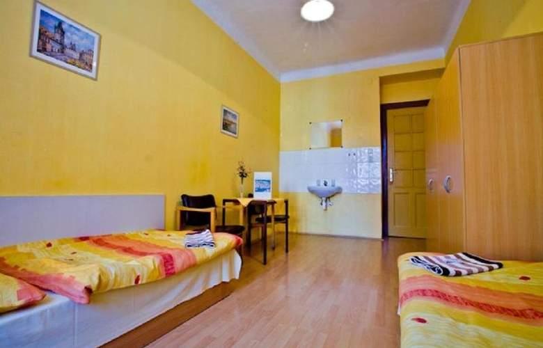 Hostel Dakura - Hotel - 2