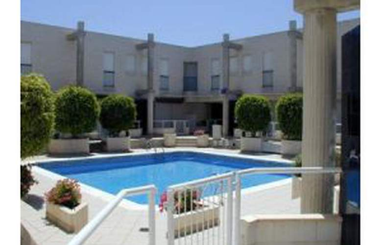 Bahia Park - Pool - 2