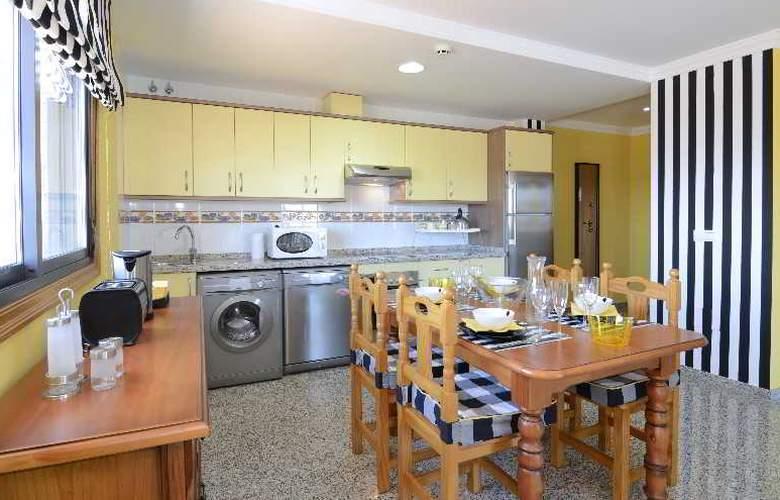 Apartamentos Nuria Sol - Room - 7