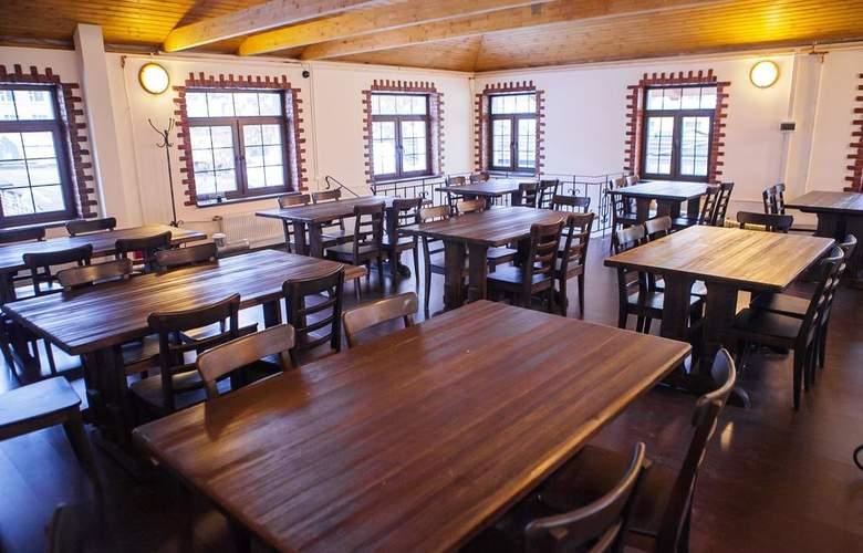 Hotel 365 - Restaurant - 12