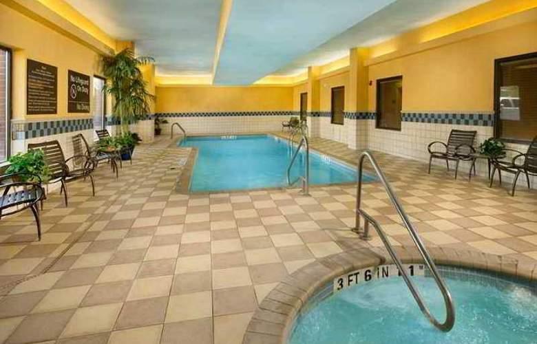 Hampton Inn & Suites San Antonio Airport - Hotel - 1
