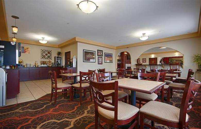 Best Western Greentree Inn & Suites - Restaurant - 152