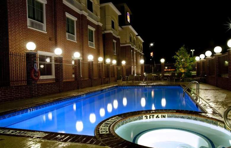 Best Western Plus Duncanville/Dallas - Pool - 101