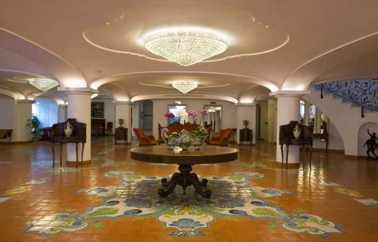 Grand Hotel la Favorita - General - 3