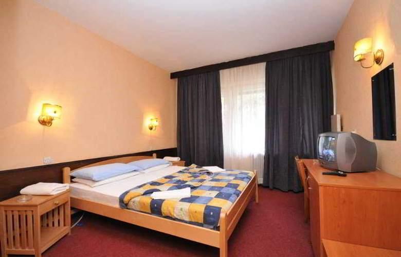 Nacional - Room - 5
