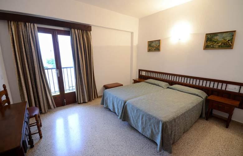 Hostal Mayol - Room - 0