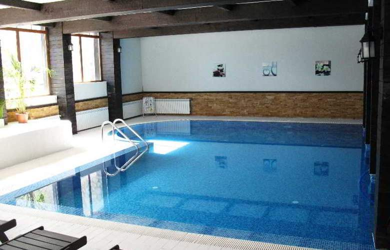 All Seasons - Pool - 2