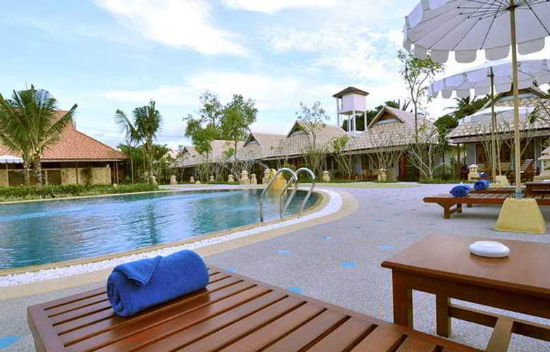 Chalong Villa Resort & Spa - Pool - 5