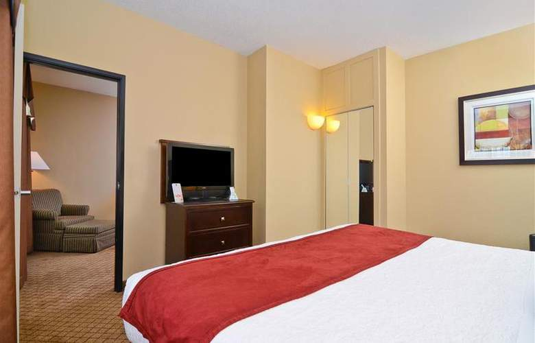 Best Western Plus Macomb Inn - Room - 49
