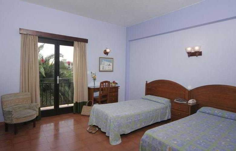 Azuline Hotel Galfi - Room - 0