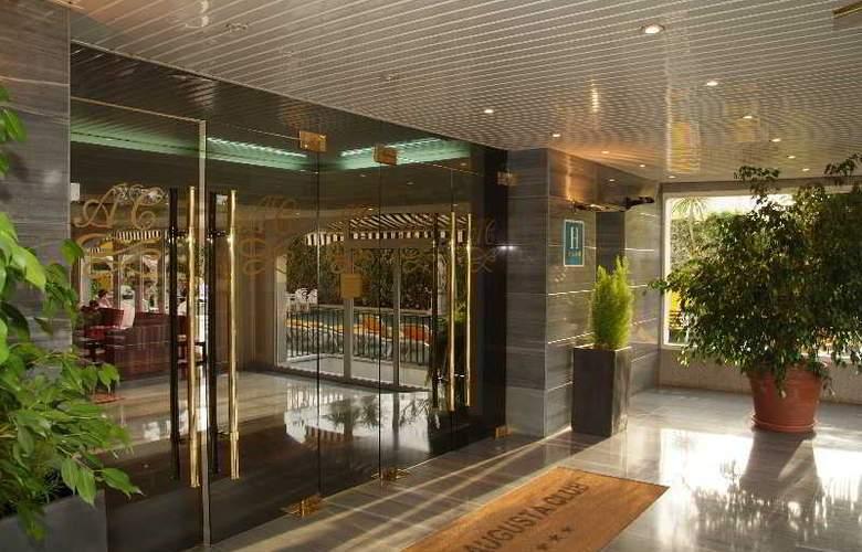 Augusta Club Hotel & Spa - Hotel - 8