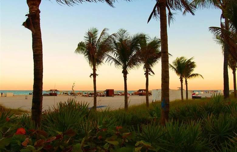 Best Western Plus Atlantic Beach Resort - Beach - 87
