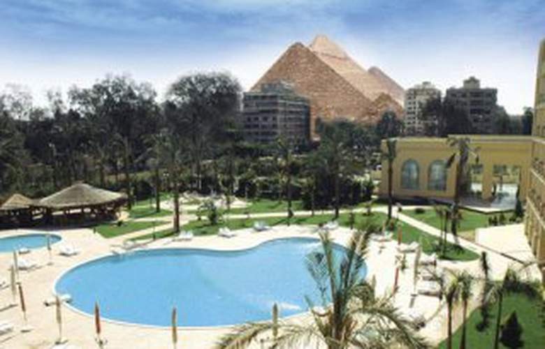 Grand Pyramids - Hotel - 0