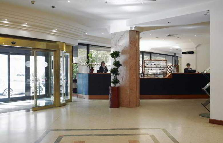 NH Torino Centro - Hotel - 9