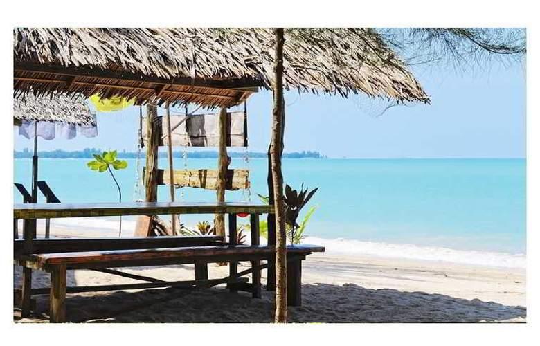 Mai Khao Lak Beach Resort & Spa - Beach - 19