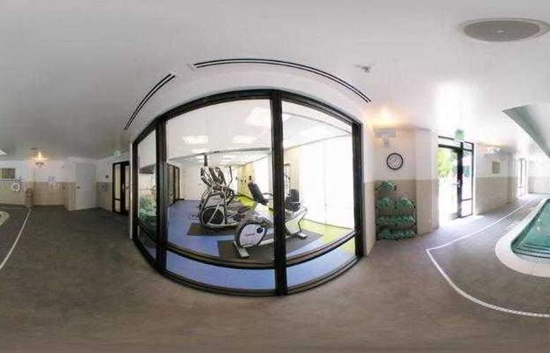 SpringHill Suites Winston-Salem Hanes Mall - Hotel - 11