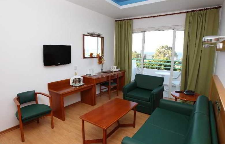 Adelais Bay - Room - 7