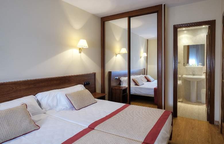 Arias Apartamentos (Anexo) - Room - 4