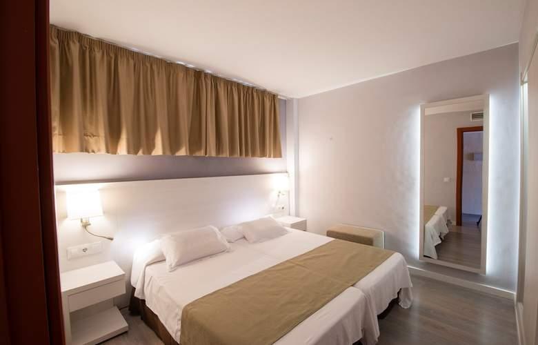Helios Apartamentos - Room - 5