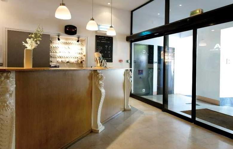 New Hotel Saint Charles - General - 3