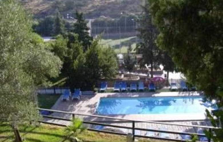 Abetos del Maestre Escuela - Pool - 5