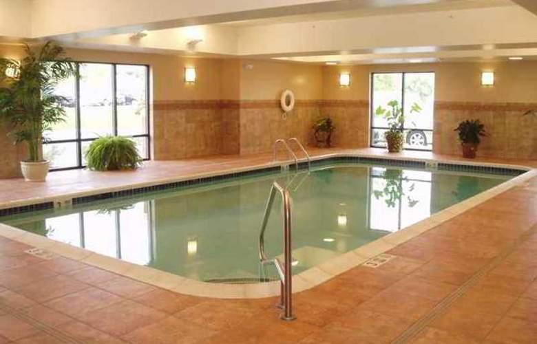 Hampton Inn & Suites Albany Airport - Hotel - 7