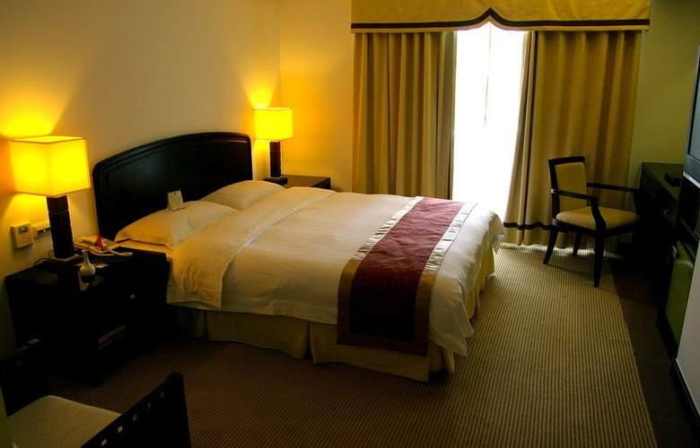 La Plaza - Room - 5