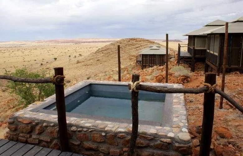 Moon Mountain Lodge - Pool - 3