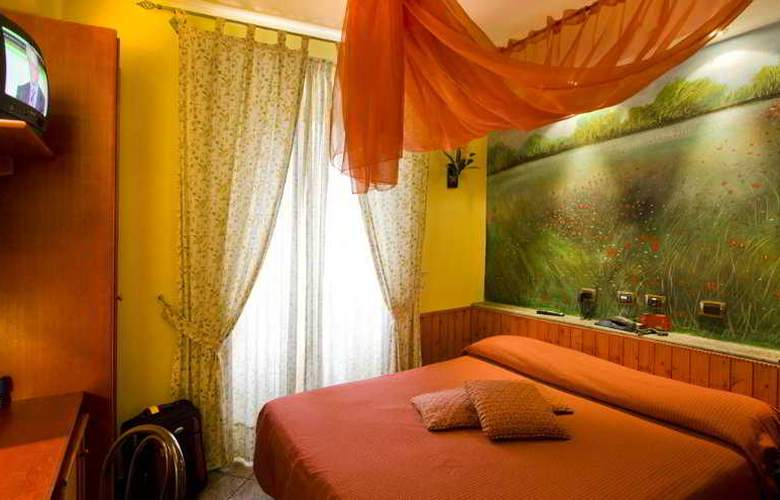 Europeo & Flowers - Sea Hotels - Room - 10