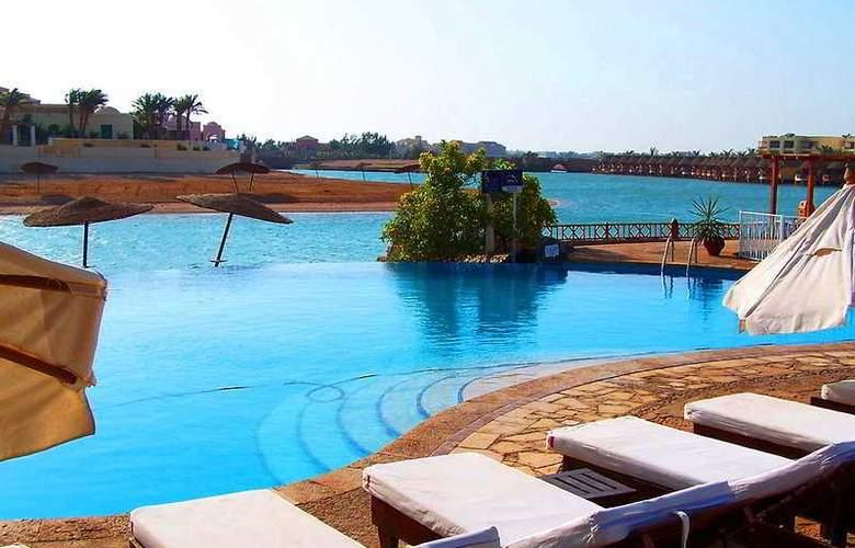 Sultan Bey Hotel - Pool - 5