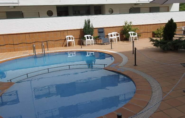 Real Jaca - Pool - 5