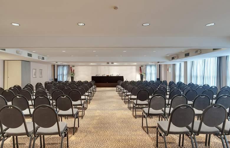 Occidental Aran Park - Conference - 4