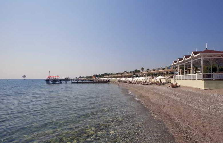 Crystal Flora Beach Resort - Beach - 14