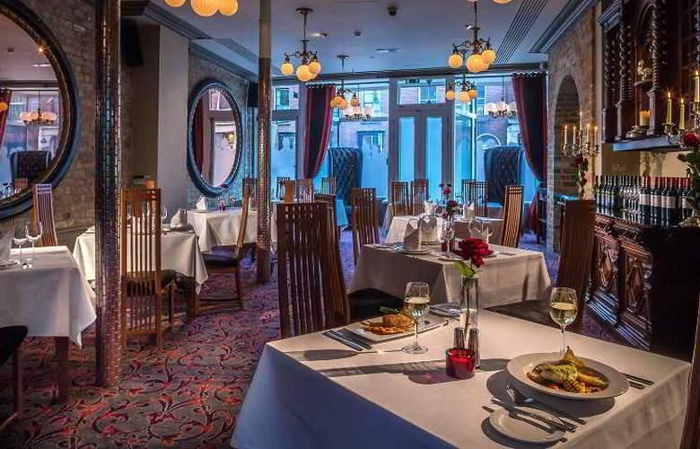 Trinity Capital - Restaurant - 13