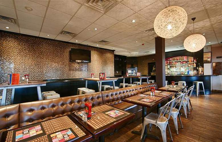 Best Western Plus Newark Airport West - Restaurant - 107