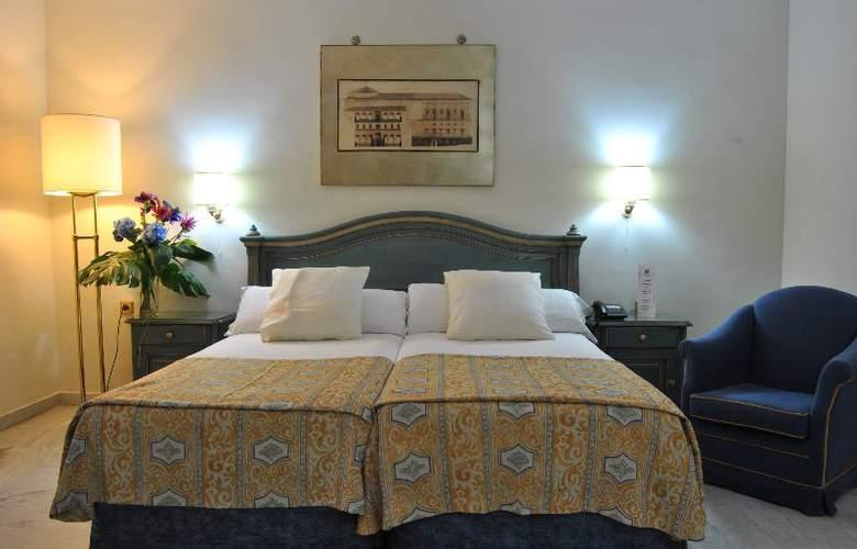 Corona de Granada - Room - 4