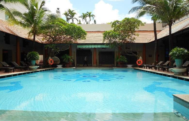 Parkroyal Saigon - Pool - 7