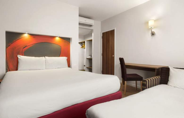 Ramada London Stansted Airport - Room - 4
