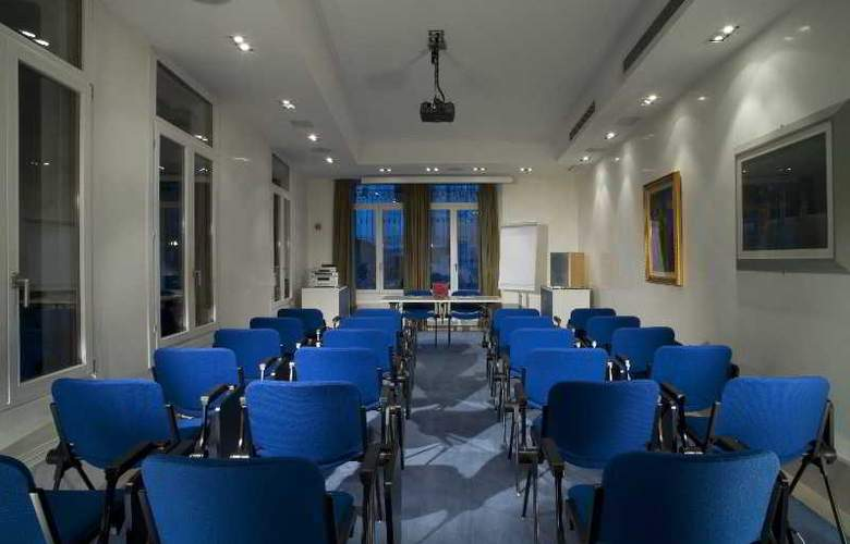 Bonvecchiati - Conference - 23