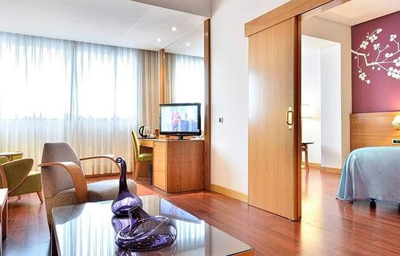 Tryp Málaga Alameda - Room - 14